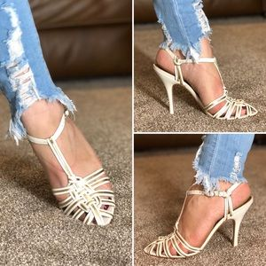 Adorable leather sandals